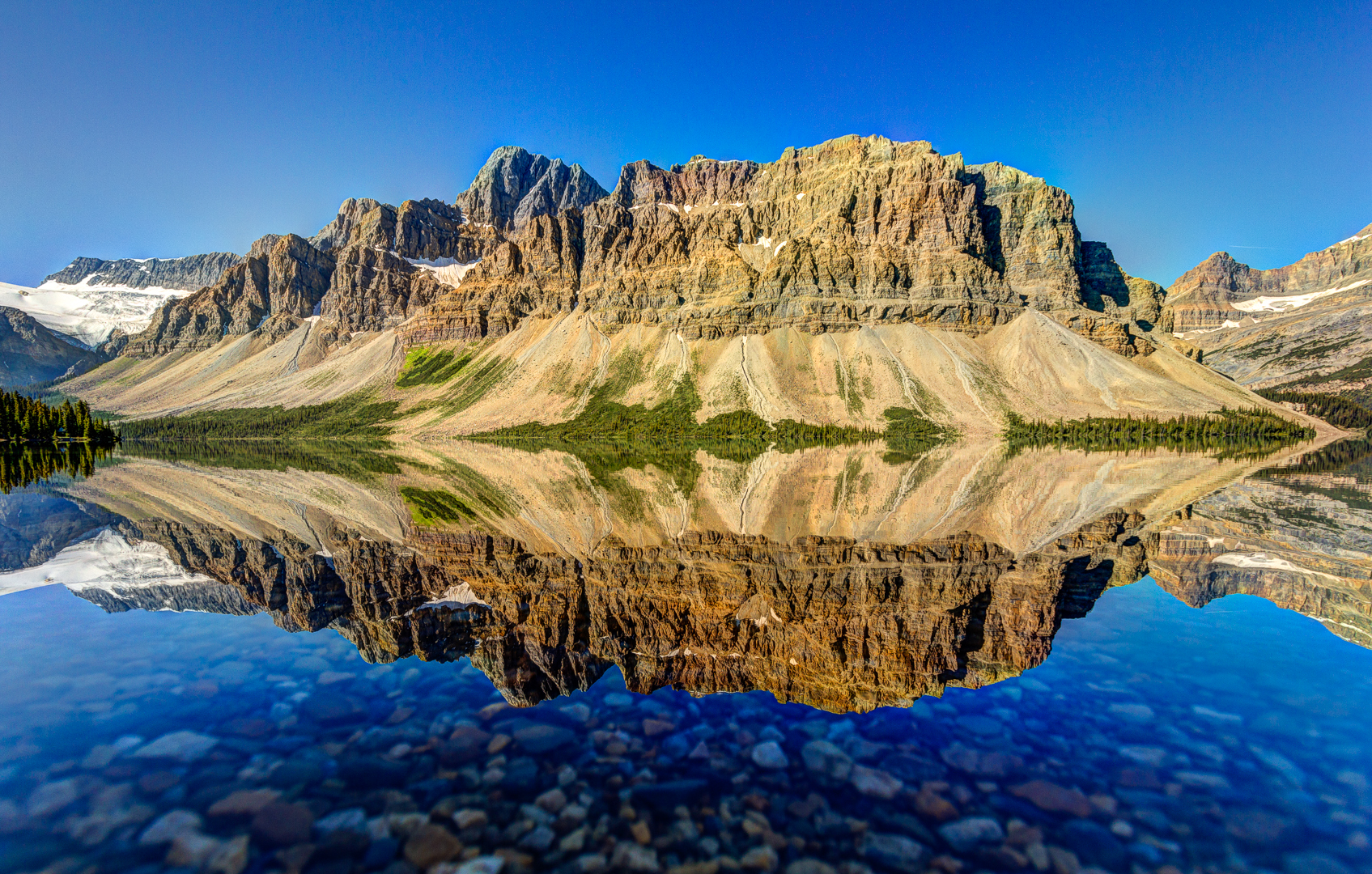 Bow Lake with Crowfoot Mountain