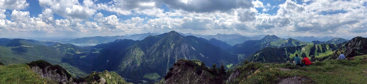 Blick vom Ochsenkamp auf Tegernsee und Hirschberg
