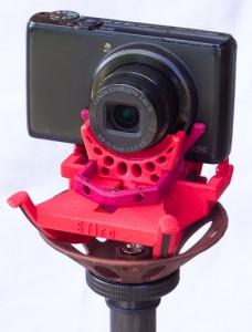 Sfiro auf Sfiro-Pod - mit Kamera im Querformat und Stativ